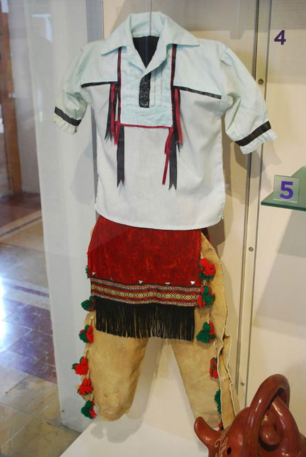 A Kickapoo boy's ceremonial dress. (Thelmadatter/CC BY SA 4.0)