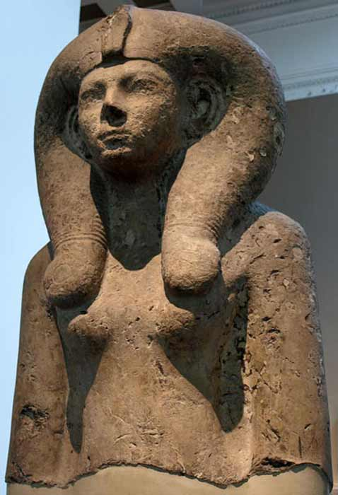 Colossal bust of Queen Ahmes-Merytamun (Ahmose-Meritamon), wearing a Hathor-wig. 18th dynasty, circa 1550 BC. (CC BY-SA 3.0)