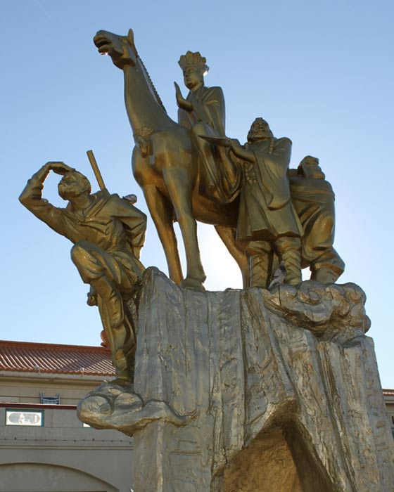 Sculpture depicting the companions in Journey to the West.