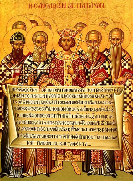 An icon depicting Constantine I, accompanied by the bishops of the First Council of Nicaea (325), holding the Niceno–Constantinopolitan Creed of 381. (Public domain)