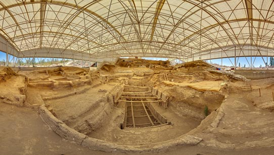 The southern excavation shelter at Çatalhöyük