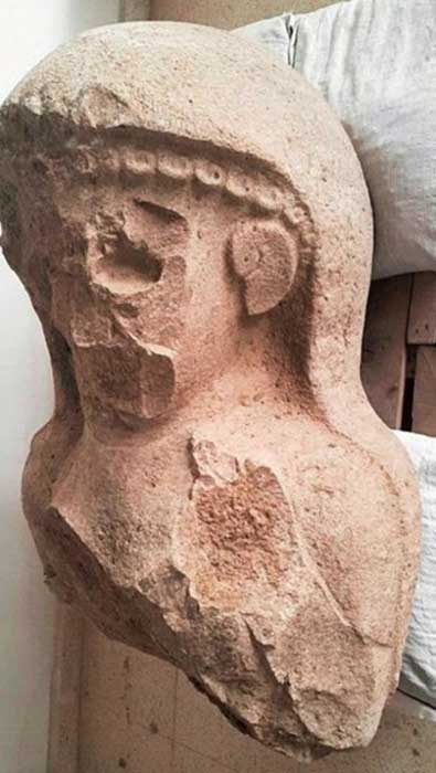 The 3,000-year-old female statue was uncovered at a citadel gate complex in Turkey.