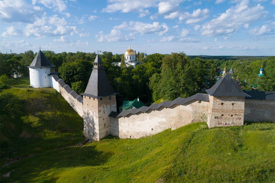 The Pskov-Caves Monastery and its 10,000 Monk Necropolis