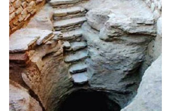 5,000-year-old stepwell found in Dholavira
