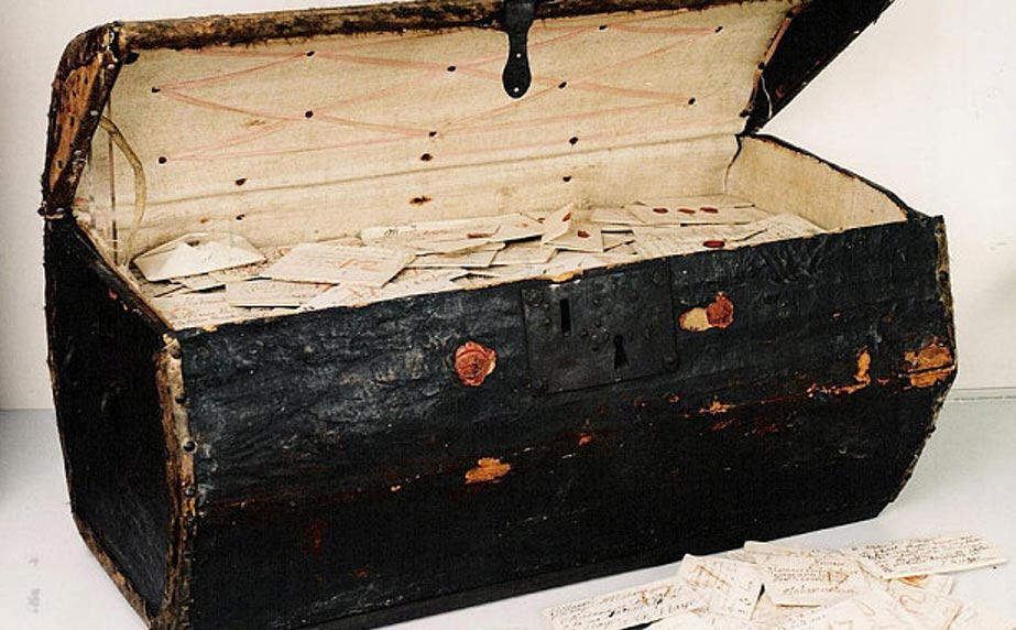 A trunk containing 2,600 historic letters has been opened and the contents revealed.