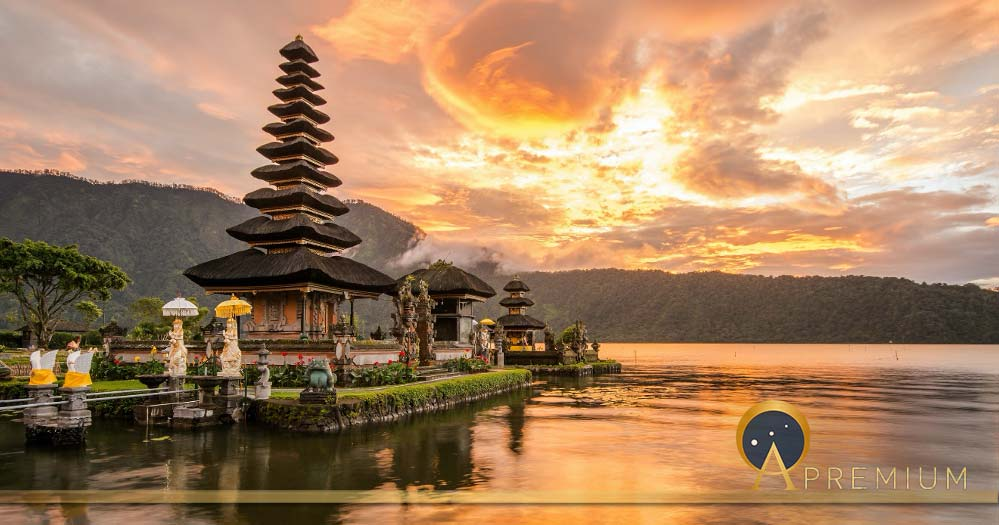 Pura Ulun Danu Bratan at Bali, Indonesia (zephyr_p/ Adobe stock)