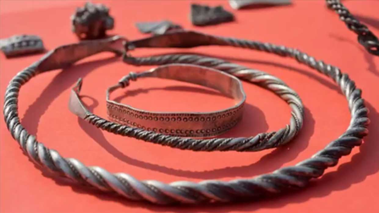 A selection of silver jewelry from the Bluetooth treasure.