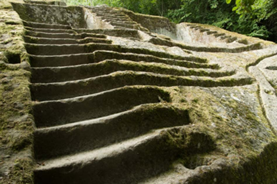 The steps of the ancient Bomarzo Pyramid. (marcovarro / Adobe Stock)