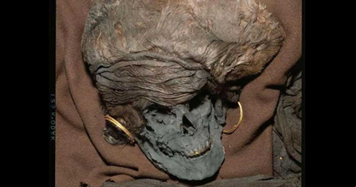 Analysis of the remains of the Bronze Age Skrydstrup woman shows she traveled from elsewhere in Europe to Denmark around age 13 or 14 and died there a few years later. She was an important, physically attractive figure and was accorded an elite burial.