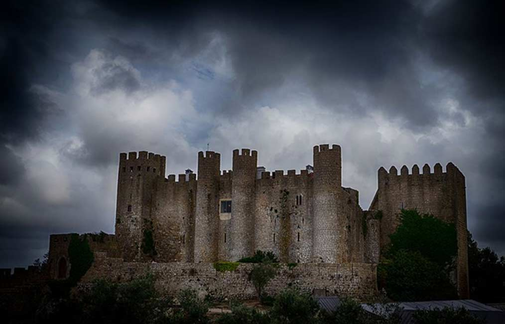 Discover the Rich History of the Magnificent Portuguese Castle of Obidos