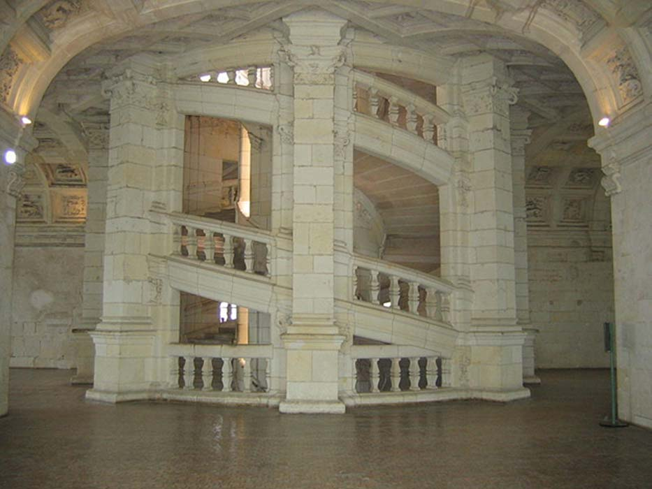 The double helix staircase of the Château de Chambord.