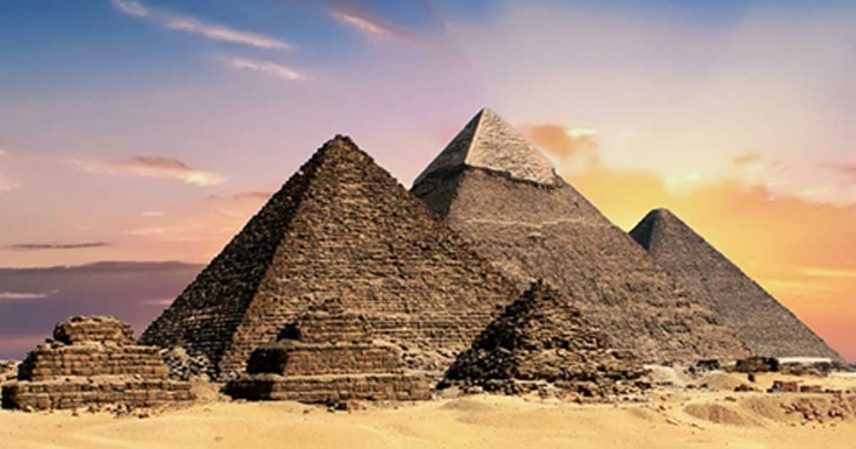 The six pyramids at Giza, with Menkaure's the first of the big three.