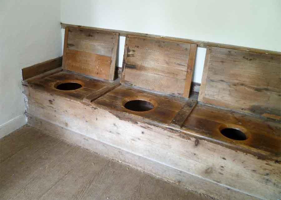 Helle's Toilet: Three-Person Loo Seat was Unusual Medieval Status Symbol