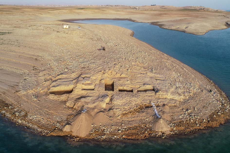 Aerial view of the Kemune Palace from the west. The imposing palace would have once stood just 20 meters from the Tigris River. Source: University of Tübingen eScience Cente / Kurdistan Archaeology.