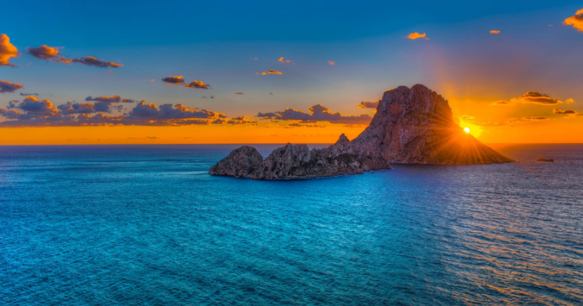 The Legendary Isle of Es Vedra: Atlantis, The Odyssey and a Magnetic