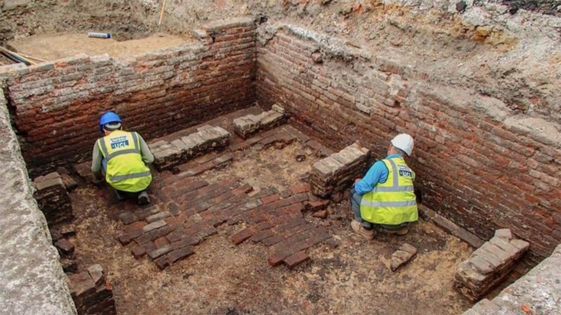 Archaeologists found the remains of well-preserved brick-lined cellar believed to be of London's oldest theater, the Red Lion playhouse, in Whitechapel, East London. Source: Archaeology South-East / UCL