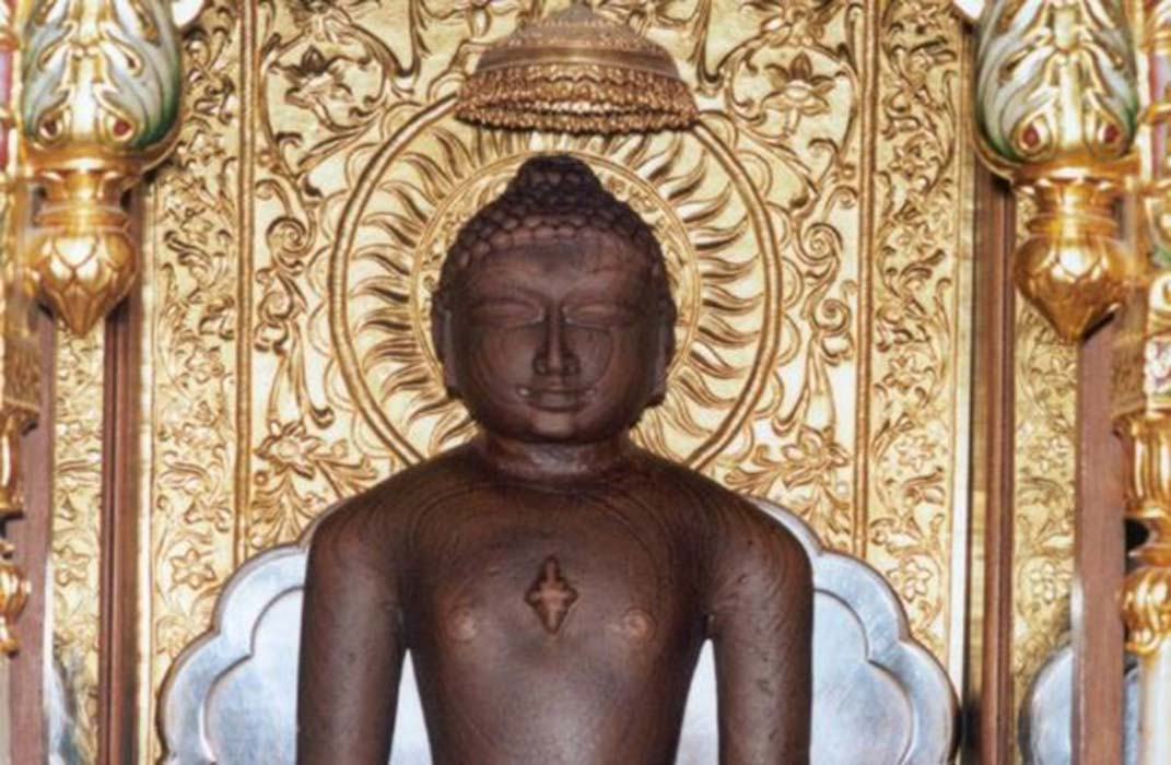 Detail of a statue of Mahavira at Shri Mahavirji, Rajasthan.