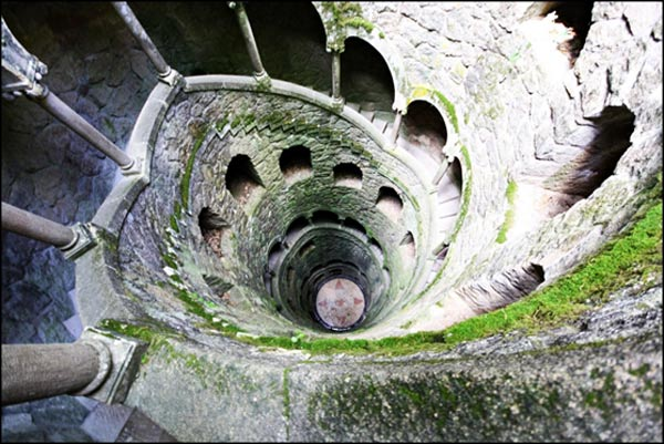the masonic initiation wells of the quinta da regaleira ancient