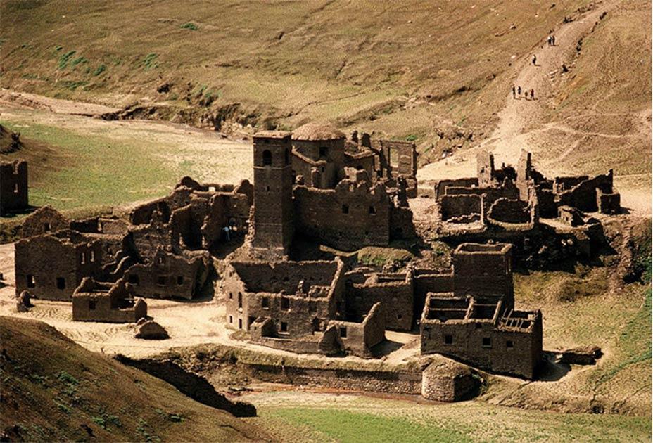 Italian Medieval Village Fabbriche di Careggine emerges from under Lake Vagli.         Source: Public domain