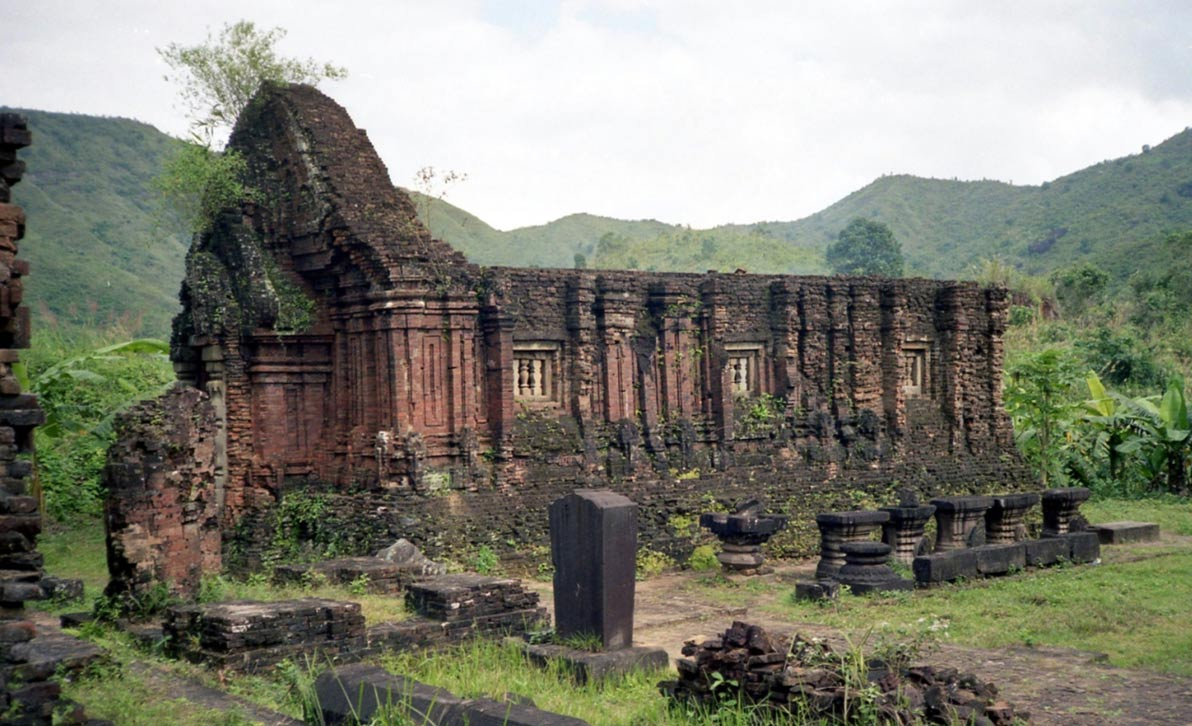 vietnam temples photos