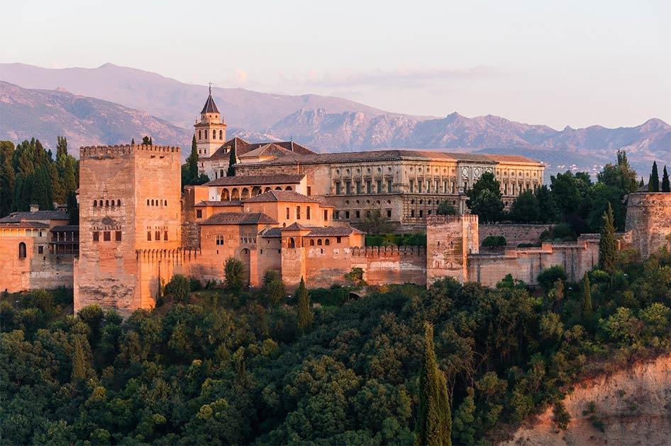 The Nasrid Dynasty Alhambra Palace, Granada, Spain. Source: Jebulon / CC0.