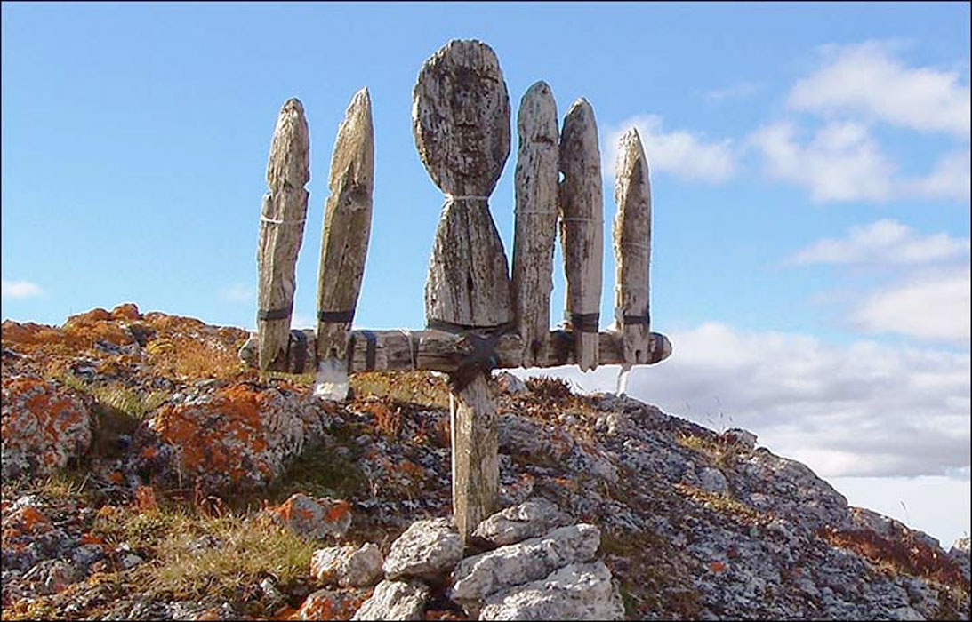 Nenets idol on Bolshoi Tsinkovy island.