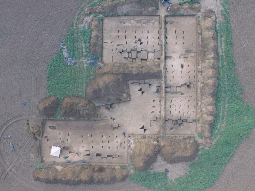 Aerial photo of the excavation area of an Early Neolithic settlement near Vráble in Slovakia                Source: © Nils Müller-Scheeßel / University of Kiel