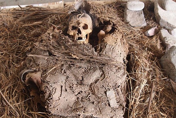 Pre-Hispanic mortuary bundle in Mexico