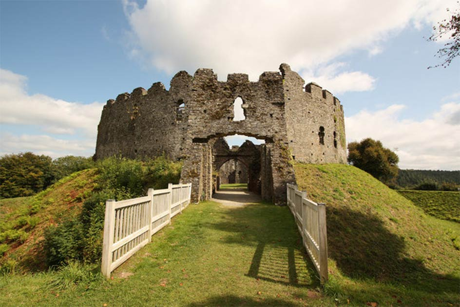 Restormel castle in Cornwall             Source: Richard Croft / CC BY SA 2.0