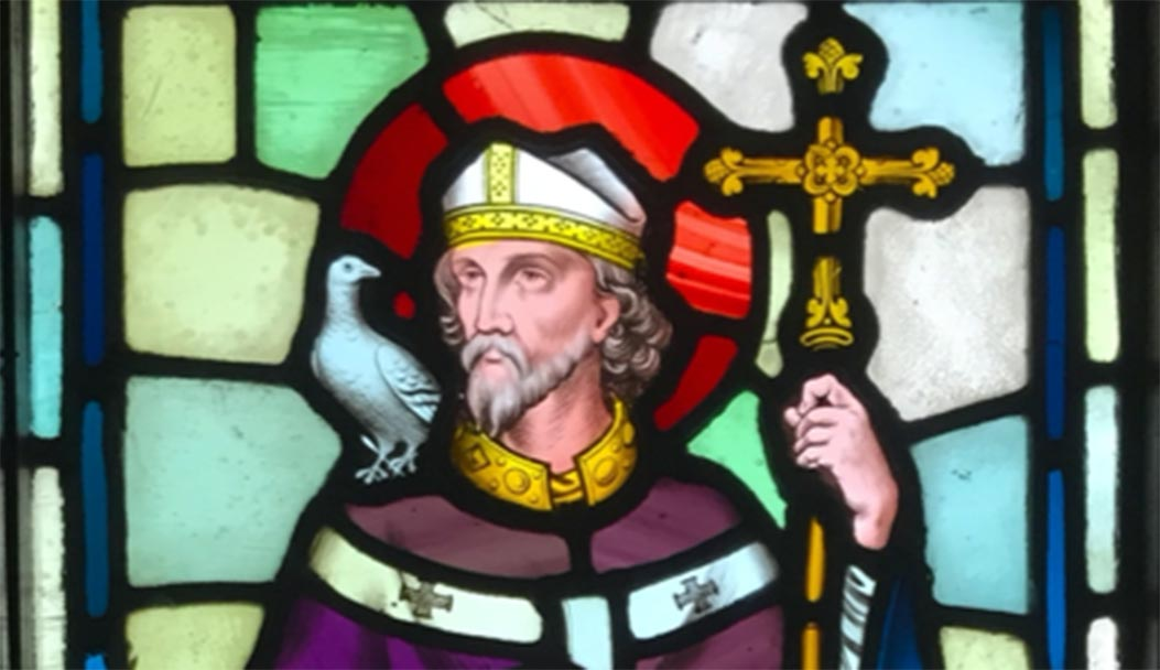 Stained glass depicting Saint David. Source: Hchc2009 / CC BY-SA 4.0.