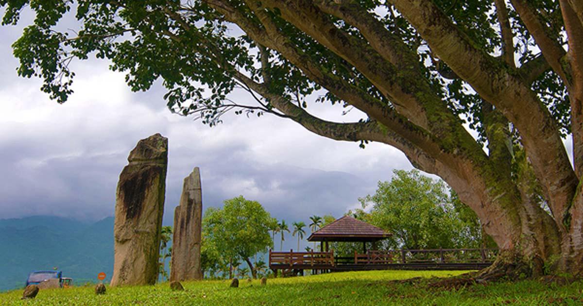 Soaba Stone pillars