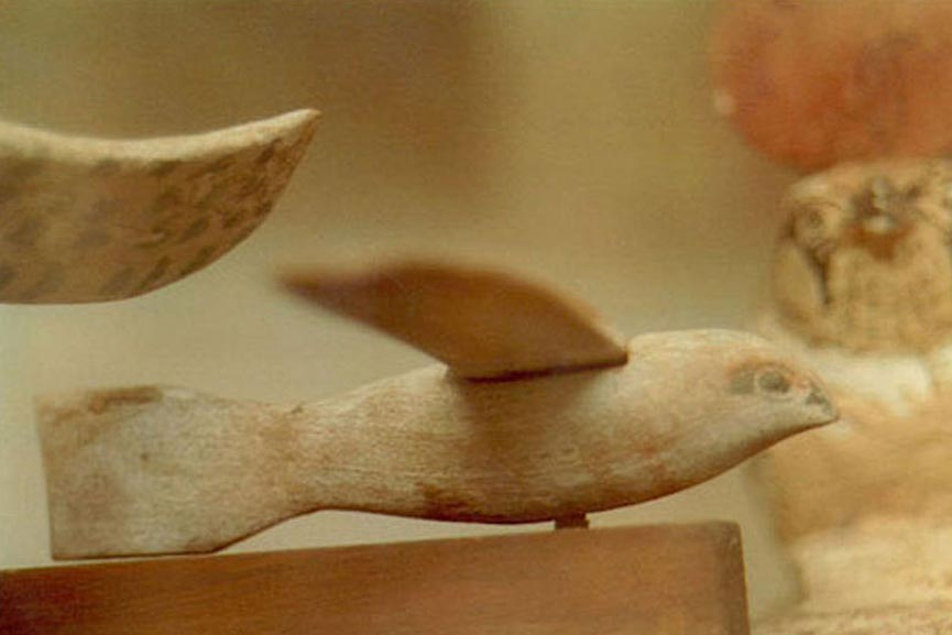 Side view of the Saqqara bird