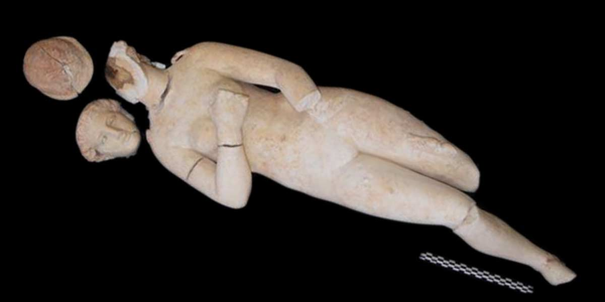 Unexpected Statues of Mythological Goddess Unearthed in Jordan