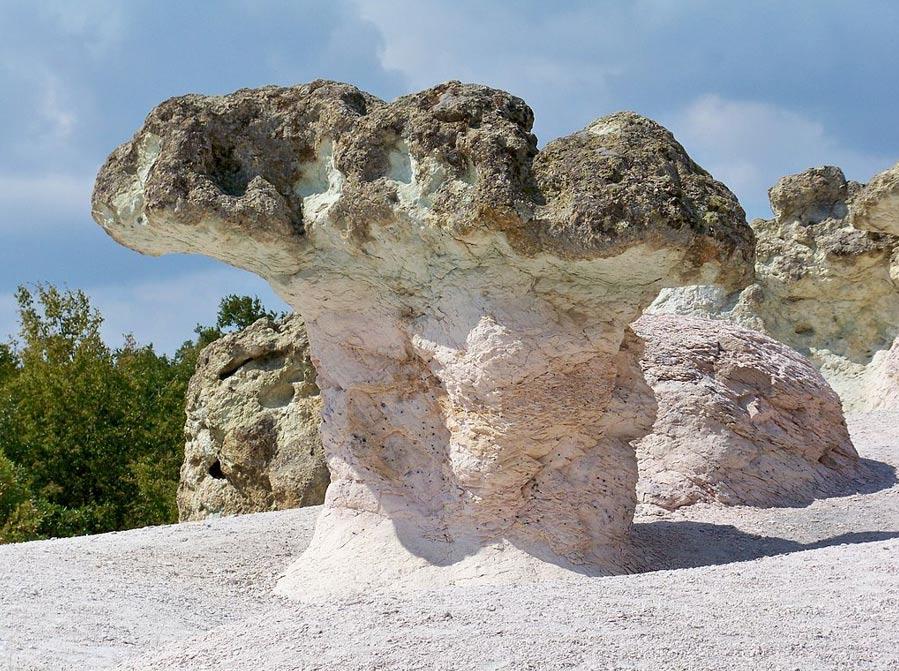 Piedra 'setas' formaciones en Bulgaria.