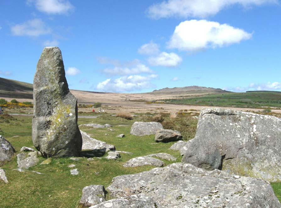 Mynydd Preseli hills and Waldo Williams memorial stone. The famous hills from where the bluestones of Stonehenge originated, pictured with the memorial monolith to poet Waldo Williams, 1904-1971