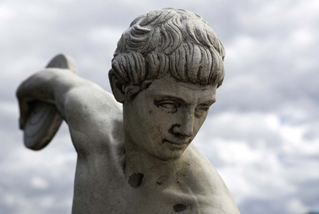 Statue of ancient Greek athlete