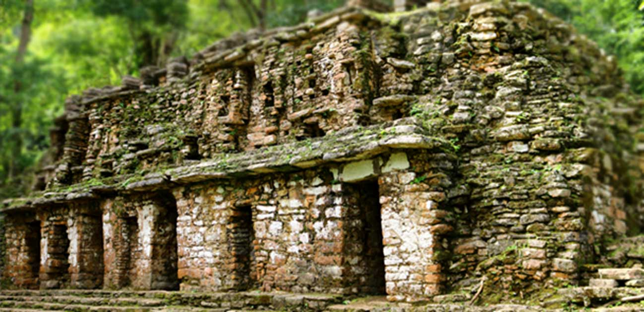 Main access to the Labyrinth of Yaxchilan.