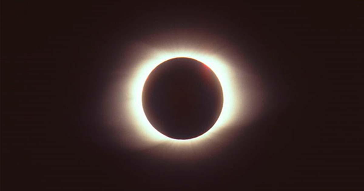 Total eclipse of the sun, Chita, Russia, 1997.