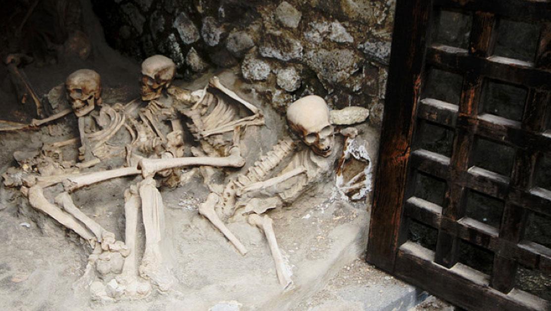 Skeletons in the' Boat Houses', Herculaneum