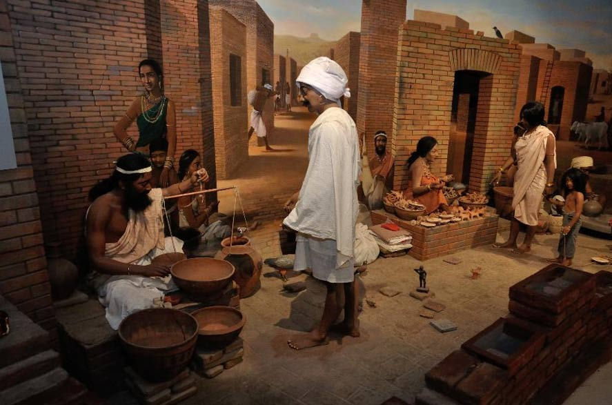 Diorama of people in the ancient Harappan culture (Indus Valley civilization).