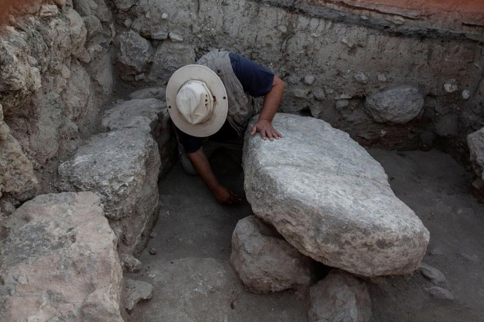 Stone table where the Ark of the Covenant may have once sat.  Source: Dr. Zvi Lederman