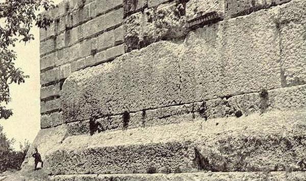 Largest Stone Blocks On Earth : The monumental baalbek largest building blocks on