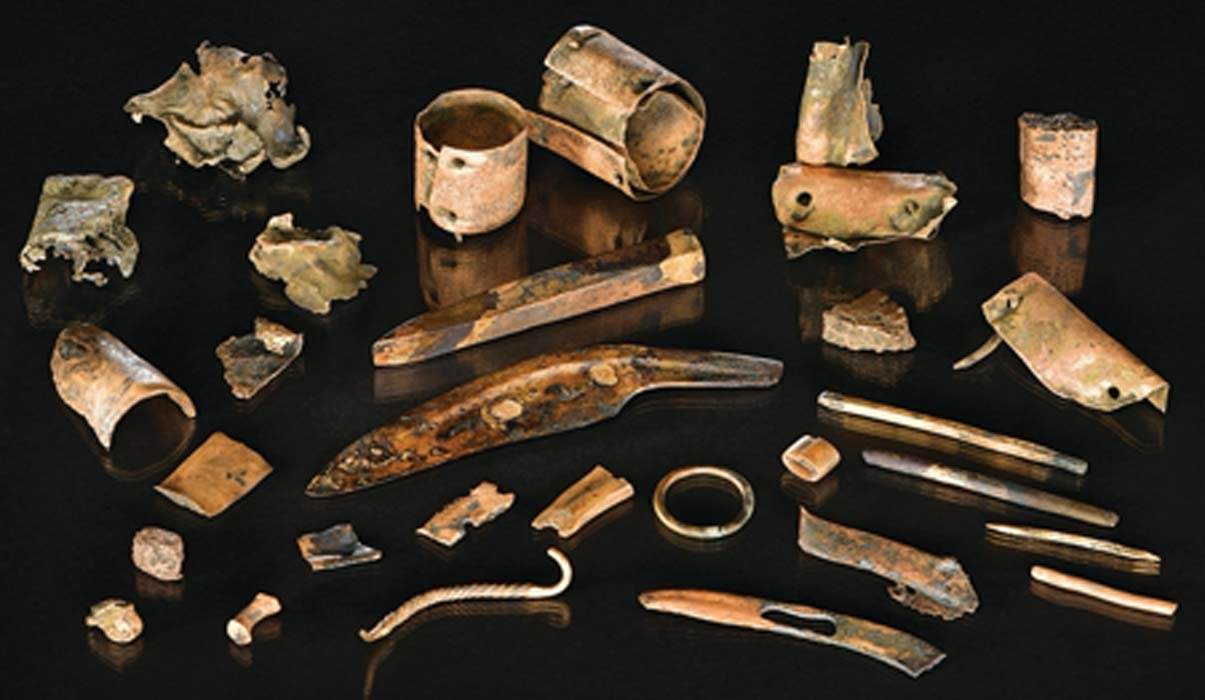 Photograph of the assemblage. Credit: Uhlig et al., (2019), photograph by V. Minkus / Antiquity Publications Ltd.