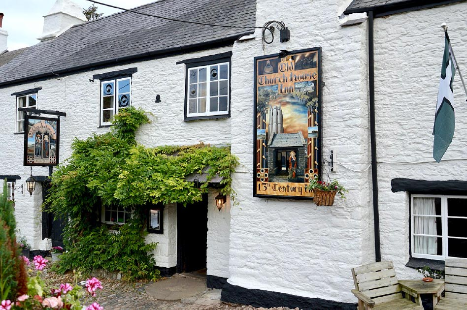 The Old Church House Inn is a 700 year-old British pub. Source: Thesupermat2 / CC BY-SA 2.0.