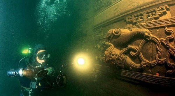 Ten Incredible Underwater Discoveries That Have Captured Our - 30 incredible historic artifacts