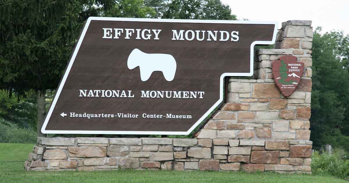 Crimes and Confessions of the Effigy Mound Superintendents