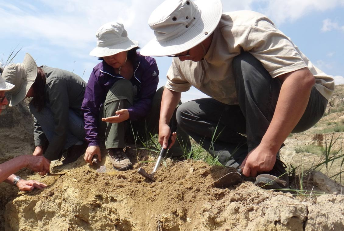 Researchers carrying out excavations in the Nihewan Basin