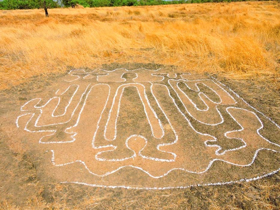 Sophisticated rock carvings in Ratnagiri, India indicate a lost Indian civilization.