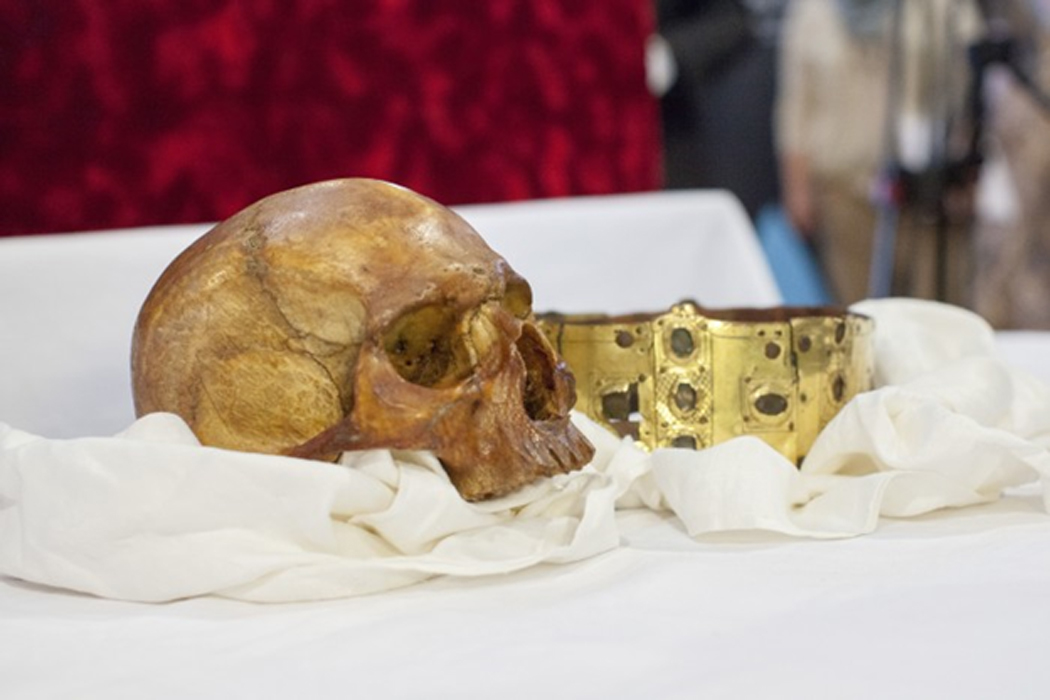 On April 23, 2014, the reliquary was opened at a ceremony in Uppsala Cathedral. After this, researchers from several scientific disciplines set to work running tests on the remains in an attempt to learn more about the medieval king. Now, the first results of these examinations are made public.