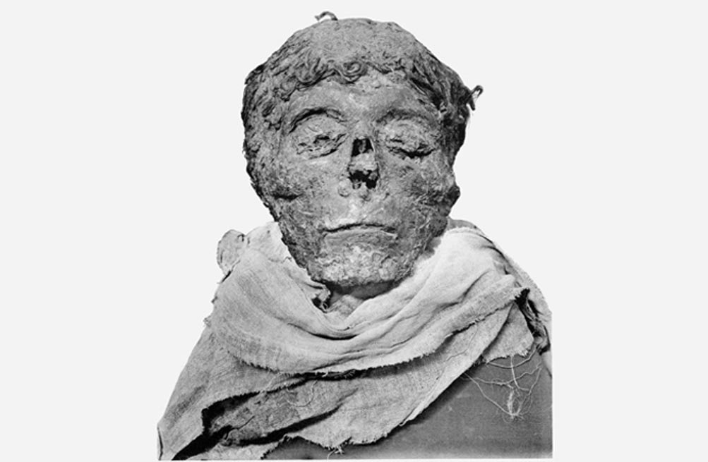 The mummified head of Egyptian pharaoh King Ahmose I, whose parents and grandparents were probably both sets of siblings.